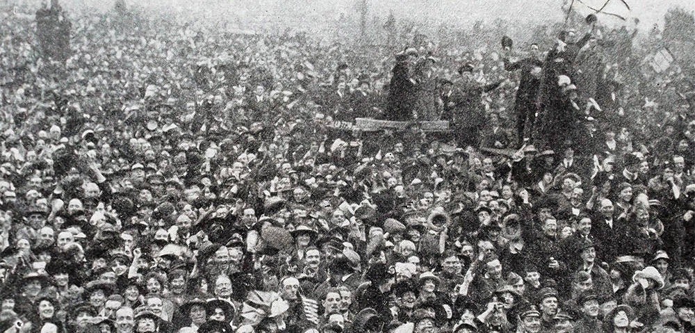 Mandatory Credit: Photo by Universal History Archive/REX/Shutterstock (3877618a) The first crowds gather at Buckingham palace in London for Armistice Day 11 November 1918 to commemorate the armistice signed between the Allies of World War I and Germany at Compiègne, France, for the cessation of hostilities on the Western Front of World War I. While this official date to mark the end of the war reflects the ceasefire on the Western Front, hostilities continued in other regions, especially across the former Russian Empire and in parts of the old Ottoman Empire.. VARIOUS
